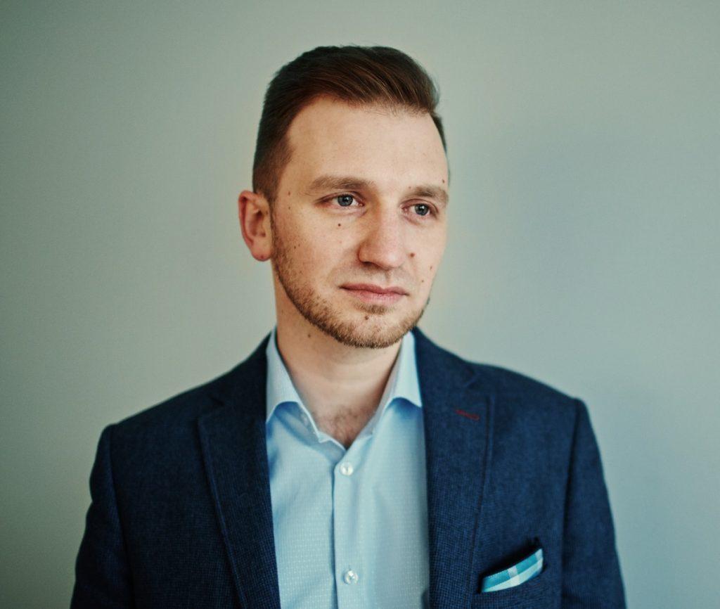 Zdjęcie przedstawia portret Piotra Kubińskiego